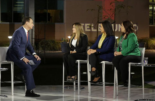 """Hosted by Noticias Telemundo Anchor José Díaz-Balart, """"Conoce tus derechos"""" (Know Your Rights) covered specific scenarios under President Donald Trump's new immigration policies and informed the audience about their legal rights."""