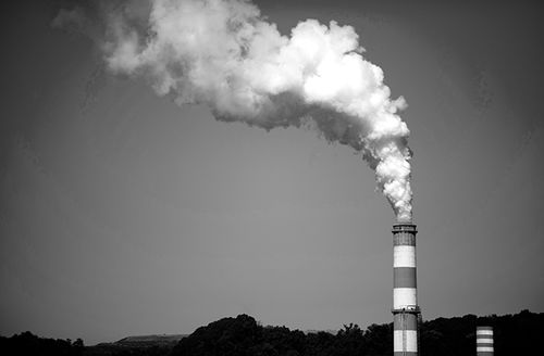 A plume of exhaust extends from a coal-fired power plant built in New Eagle, Pennsylvania.