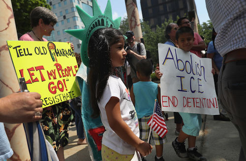 Democrats call on Trump administration to reunite 500 children who remain separated from their parents