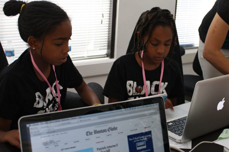 black-teen-inventor-changes-world-girls