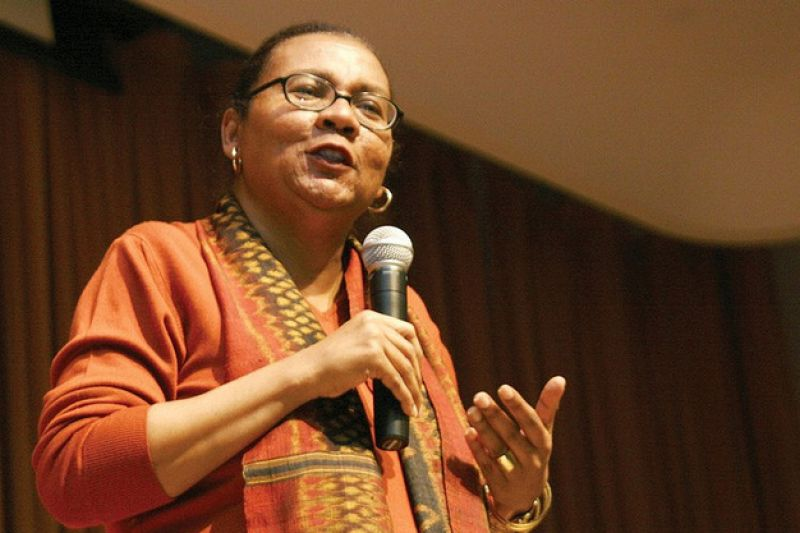 Watch bell hooks and Melissa Harris Perry Talk About Black Feminism